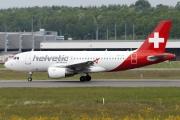 25.05.15 Helvetic A319 HB-JVK 334646_mid