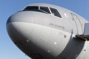 McDonnell Douglas MD-10