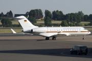 Bombardier BD-700